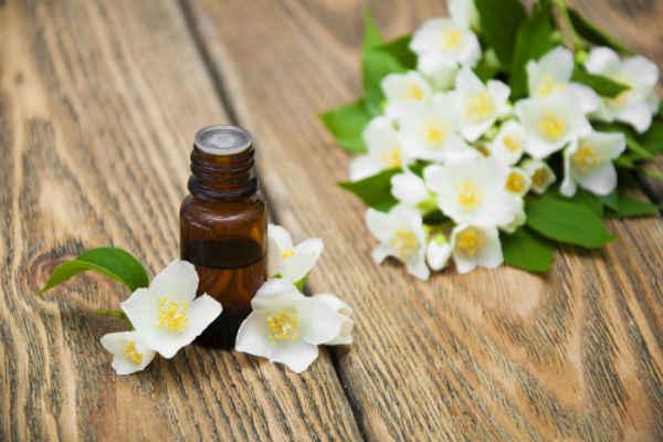 Жасминовое масло для лечения кисты придатка яичка